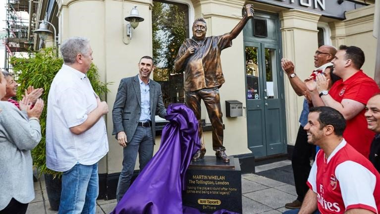 BT Sport Manager of the Month – Martin's Statue Revealed!